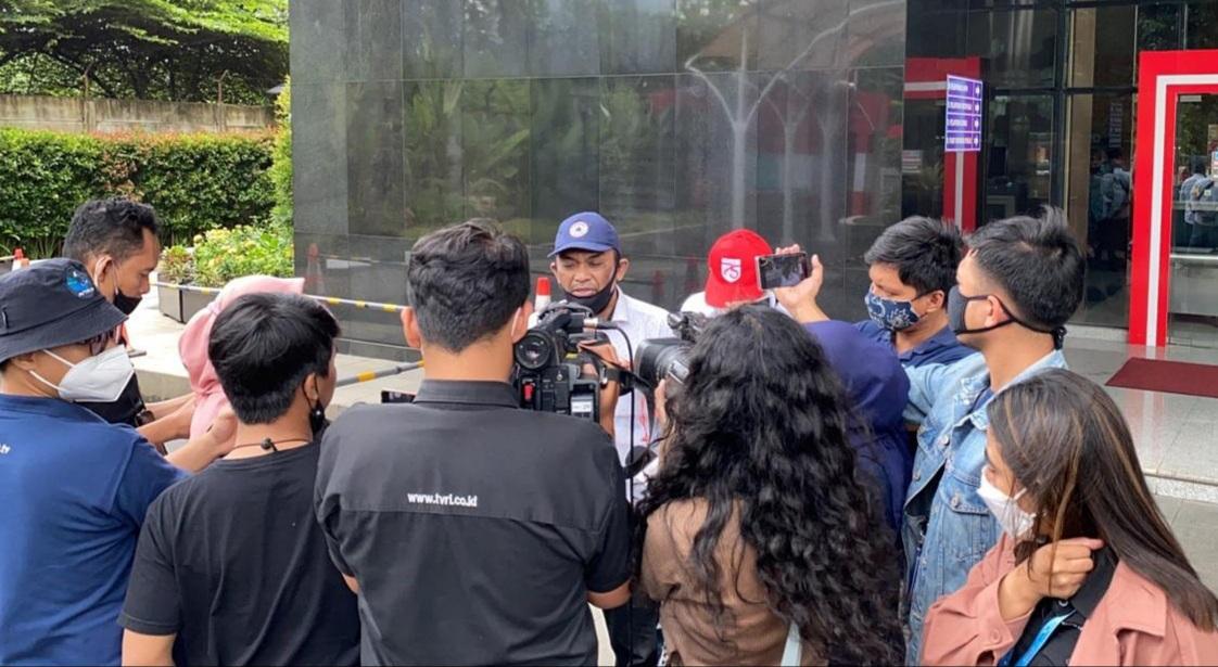 Djusman AR saat diwawancaari oleh sejumlah Awak Media beberapa waktu yang lalu